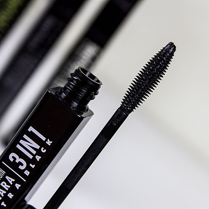 UNE 3 IN 1 MASCARA